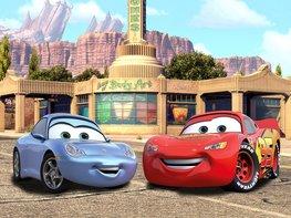 Cars fotobehang McQueen en Sally XL